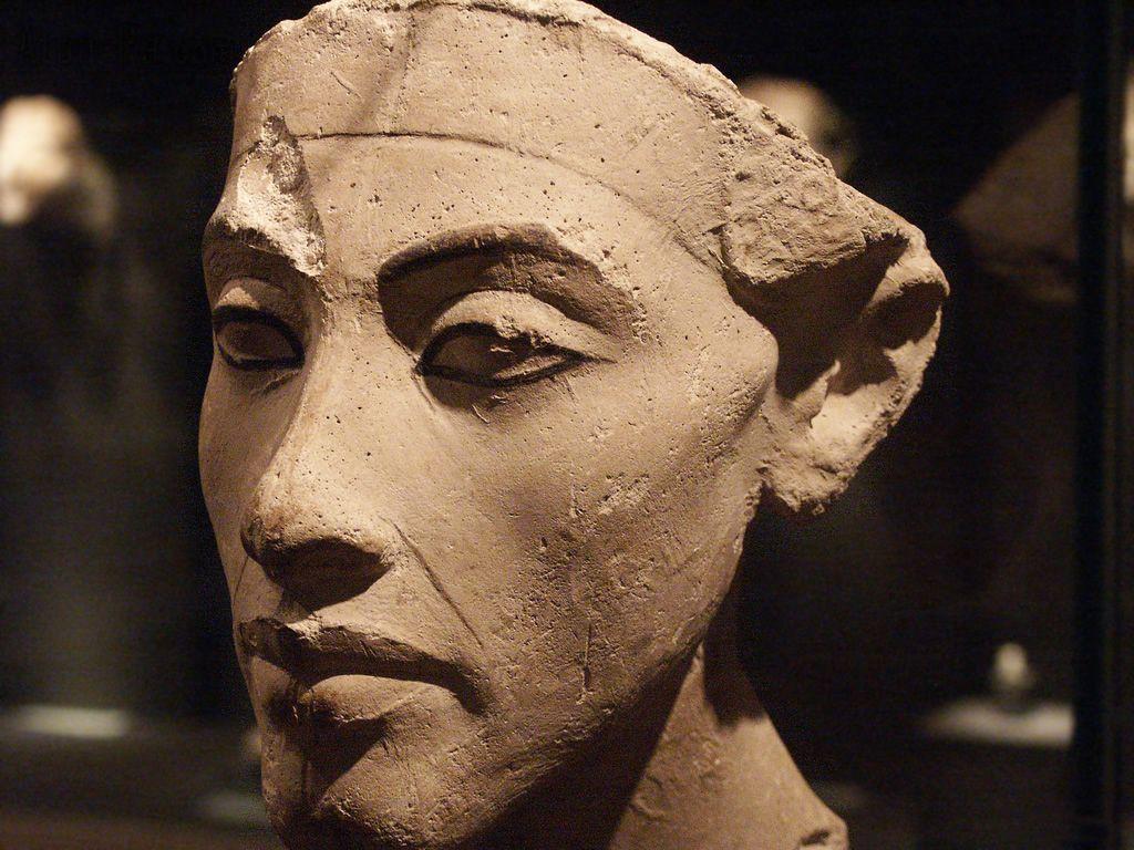 Akhenaton 4
